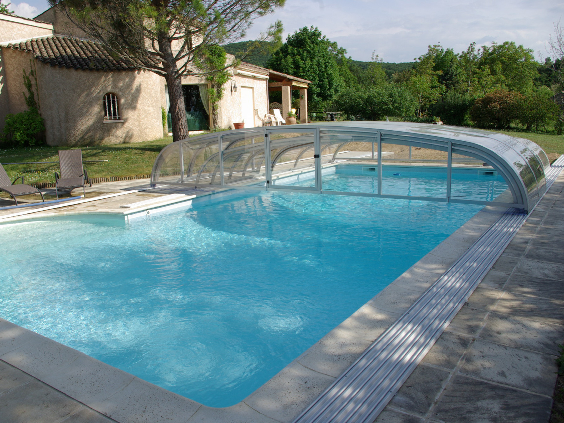 Abri de piscine t lescopique cintral for Abri piscine